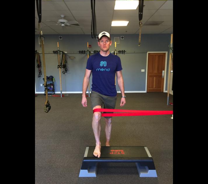 running-injury-pain-hip-knee-strength