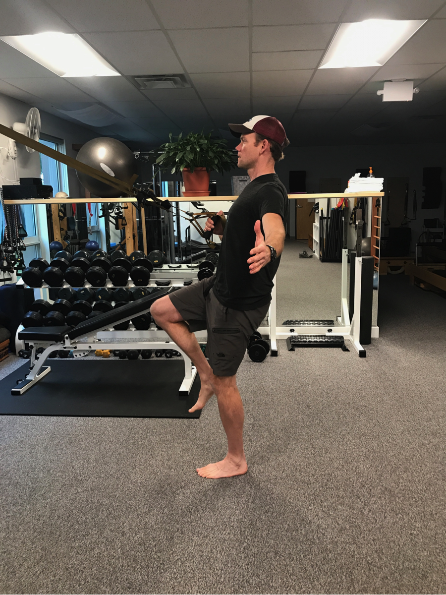 TRX-row-lunge-strength-training