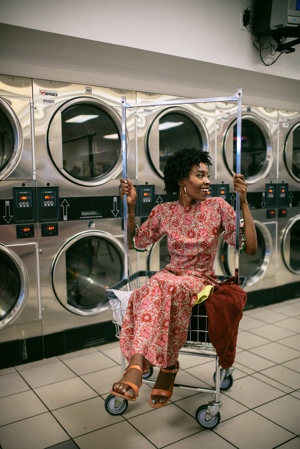 Laundromat - Editorial Photographer - Lifestyle Blogger