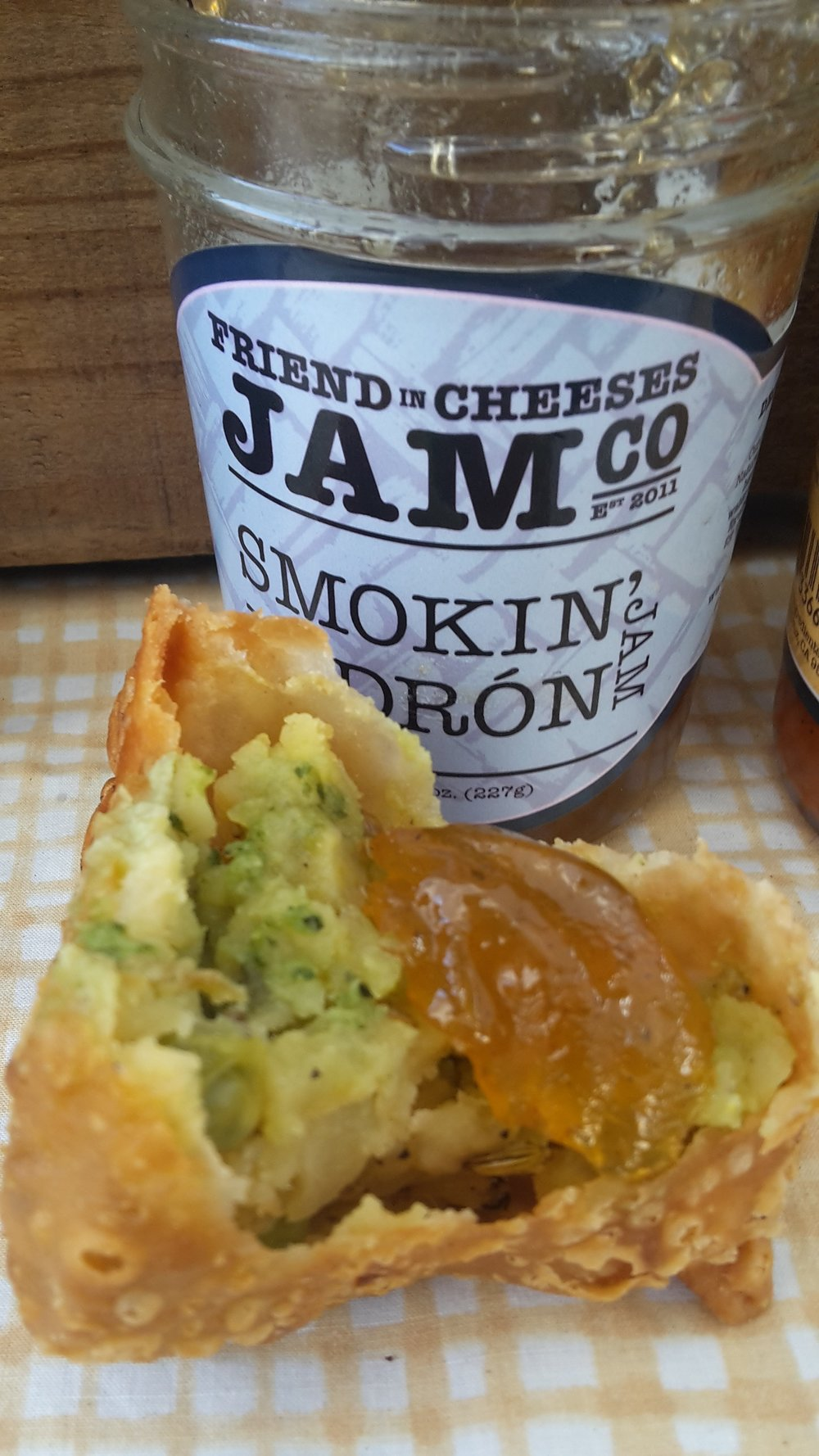 At our Santa Cruz Downtown farmers market there are these amazing samosas that are only $1 each! best deal in town...slather with Smokin Padron or our Tart n Spicy Tomato Jelly...