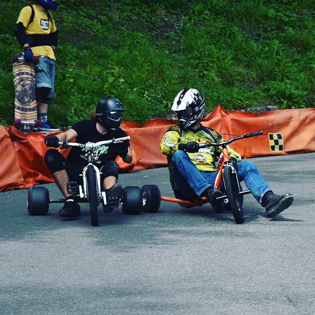 Drift trikes in the Swiss mountains