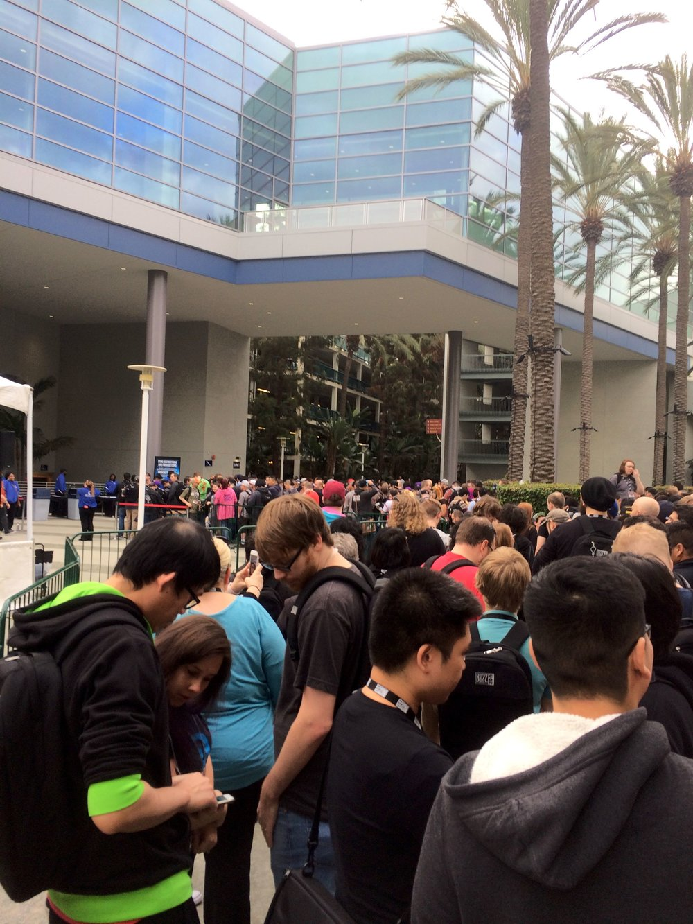 The line outside the North Hall at BlizzCon 2017.