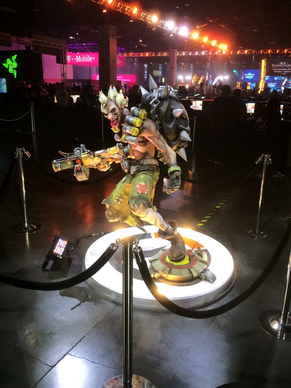 Overwatch statue at BlizzCon 2017.