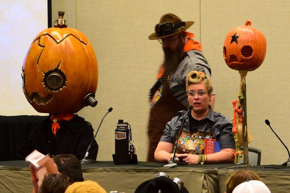 Daniel & Dawna Davis at the Monster Scouts Rally at Phoenix Comic Con 2017. (1)