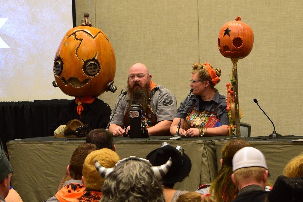 Daniel & Dawna Davis at the Monster Scouts Rally at Phoenix Comic Con 2017. (3)
