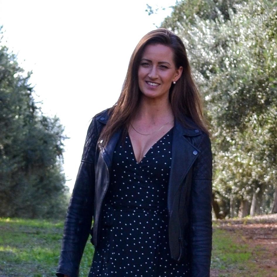 Tris Van Der Kley - Nutritional Medicine student, recipe developer & health writer. Find her on insta @balanced.body.nutrition