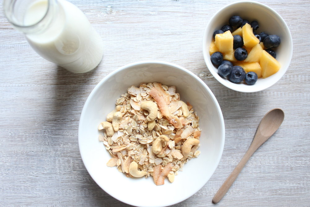 TOASTED COCONUT, CASHEW & CINNAMON MUESLI