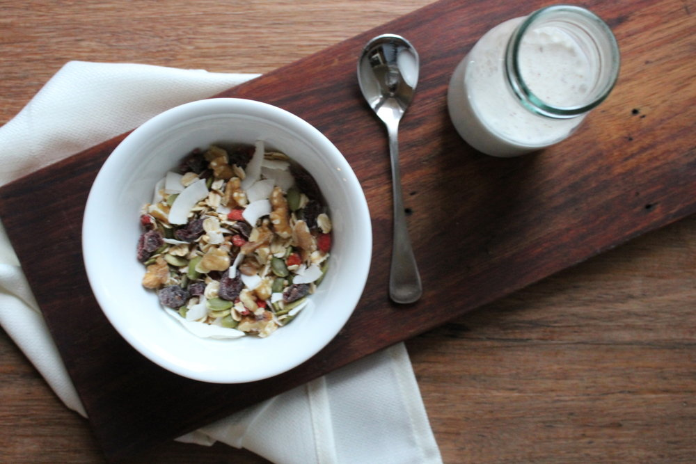 FAT MUESLI WITH VANILLA BRAZIL NUT MILK
