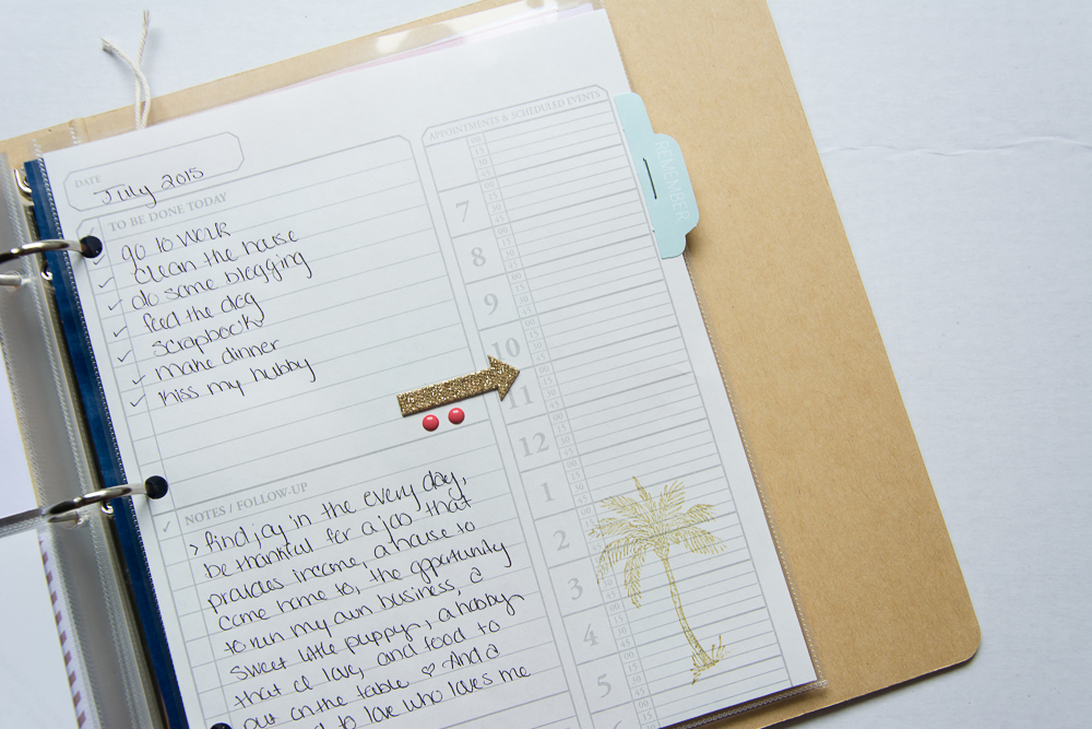 #LittleSummerJOY - a FREE class/challenge for memory keepers. Here is a 6x8 Project Life spread by contributor Mandy Elliott of Turquoise Avenue.