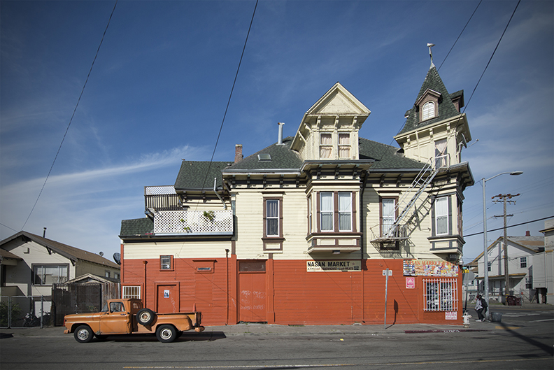 Orange House Orange Truck crop V.jpg