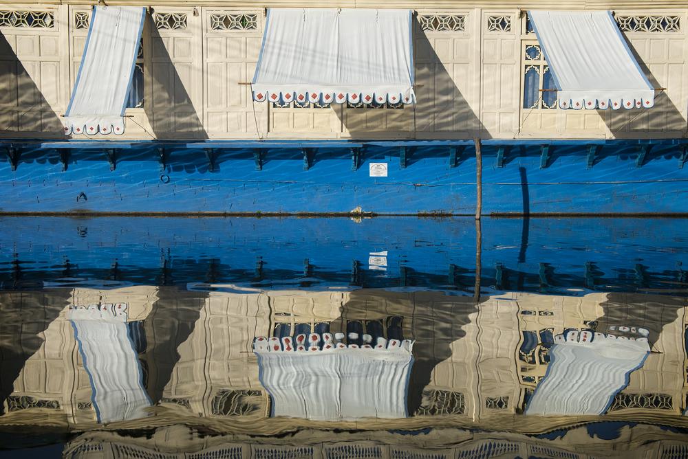 Blue & Beige House Boat.jpg