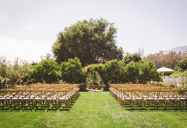 A beautiful garden ceremony at HeartStone Ranch.  Photo by @theshalomimaginative  #heartstoneranch #carpinteriawedding #santabarbarawedding #santabarbaraweddingplanner #ceremony #gardenceremony #gardenwedding #californiawedding