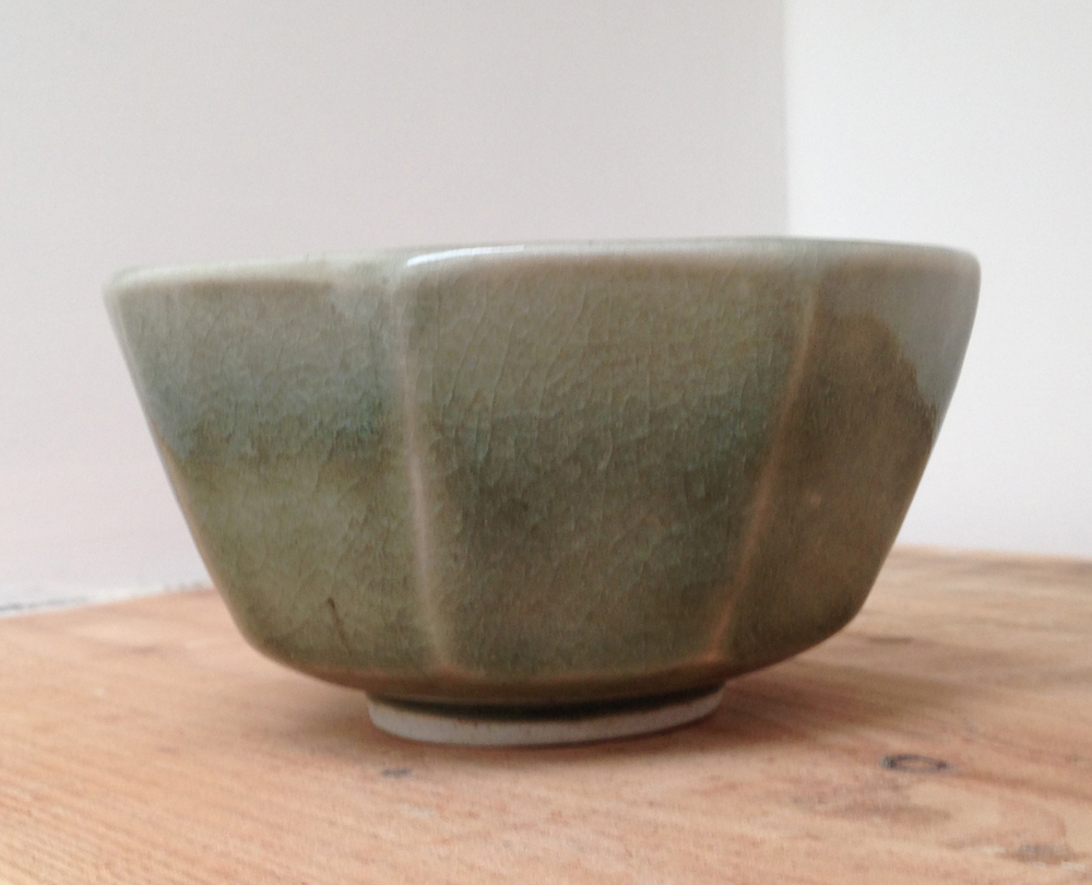 P e t e r  S w a n s o n  Porcelain Cut Sided Bowl 140 mm x  70 mm  Jade Celadon £ 100
