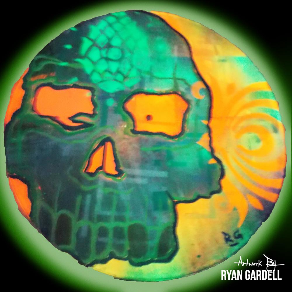 Skull Candy (w/ blacklight)