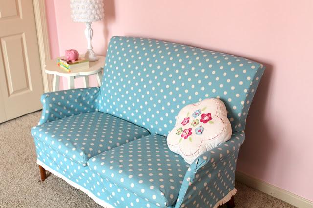 polka+dot+couch+2.jpg