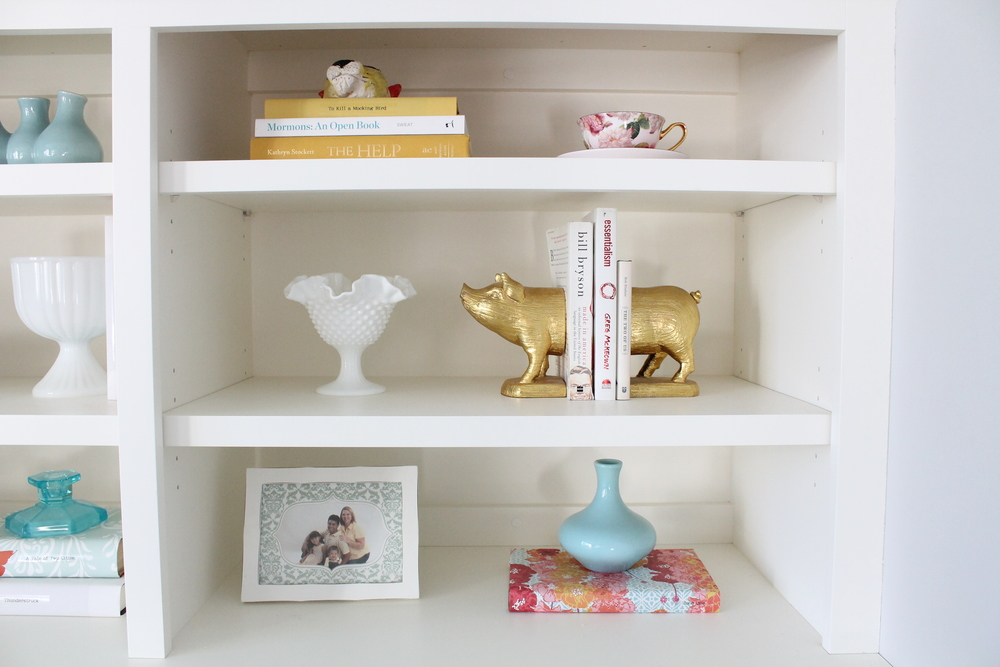 Built in bookshelf decorating ideas. Style a bookshelf with a cohesive color pallet by covering & Built-In Bookshelf Decorating Ideas u2014 Tessie Fay