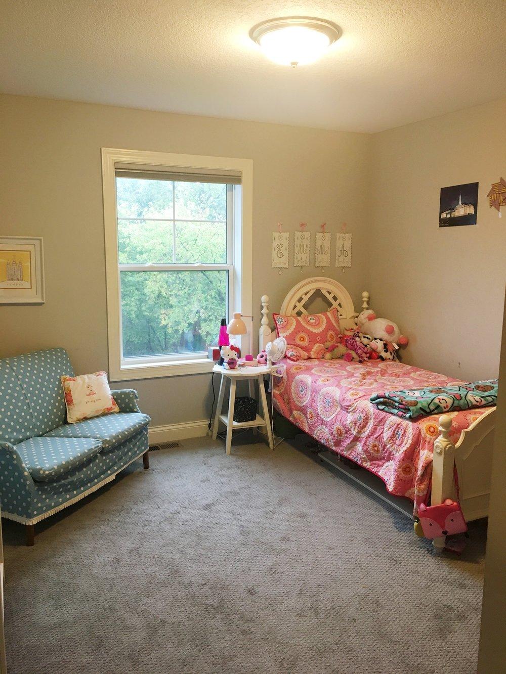 Girls Bedroom Before Makeover