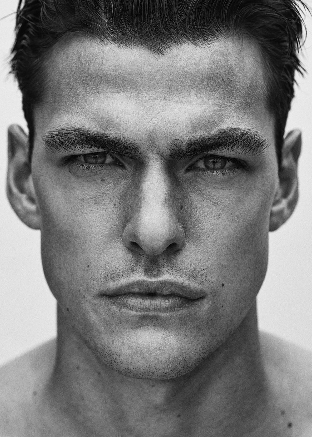Filip Wolfe – Model