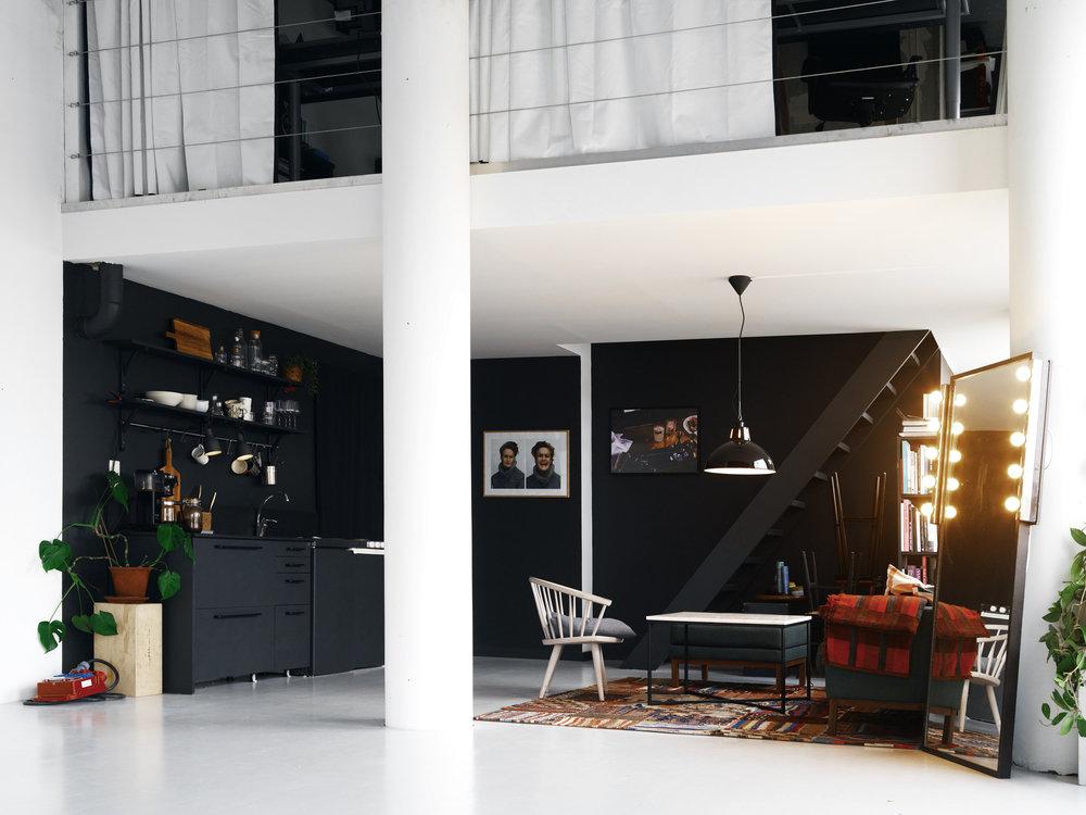 studio_lounge.jpg