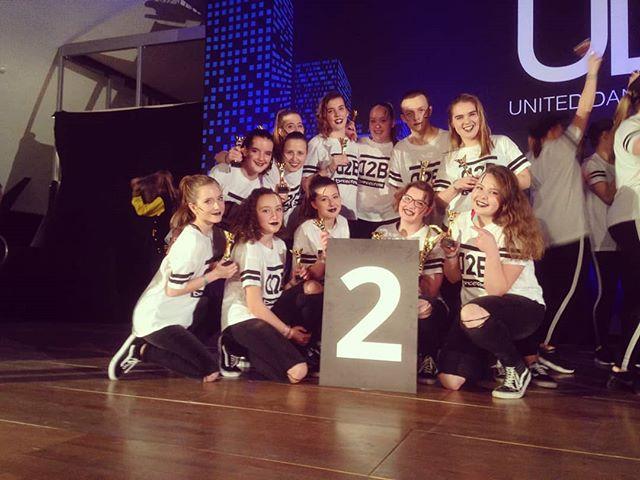 Woopwoop !! 2nd place 😎💪 Met een speciale danku aan onze mental en hoofdcoach @jokeverlindencolak @robinbrys en onze choreografen @robinbrys @valeriemaene @gerritakajey 🙌 #D2B #2ndplace #UDO #competition #dance #lifeofurbantalentz #2800love