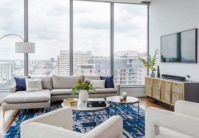 We furnished this gorgeous condo at @whotels in downtown Austin in record time so our fun loving clients could get busy living their best urban life 🏙 It's true that good things take time, but we can still hustle when you need it yesterday 🏃🏻‍♀️ . . . . . #erinwilliamsondesign #whotelaustin #ilovemyjob #highrise #urbanliving #fastfashion #mycb2 #mydomaine #urbandesign #glamdecor #elledecor #austininteriordesign #austininteriordesigner #design #designer #eclecticdecor #brassdecor #interiorlovers #finditstyleit #topstylefiles #currentdesignsituation #modernhome #interior123 #interiordetails #homedecorideas #myhousebeautiful #howwedwell