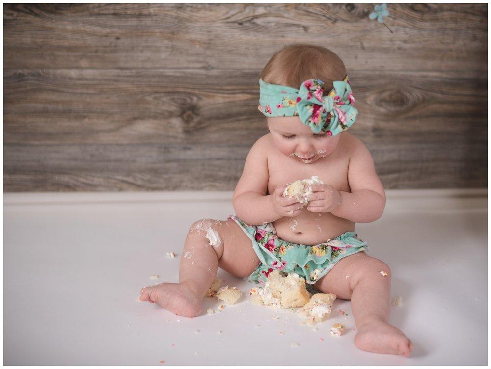baby studio cake smash gianna's photography medina mn