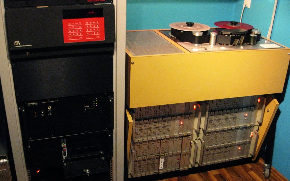 studio mach room copy.jpg