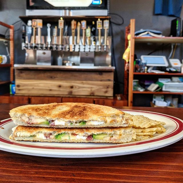 We are 332 days away from national grilled cheese day! Why not celebrate early with $6 unlimited topping grilled cheese sandwiches and trivia at 7pm?? #grilledcheese #greeley #colorado #craftbeer #foodie #greatday
