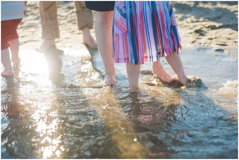 beach family pprtraits. rye, ny