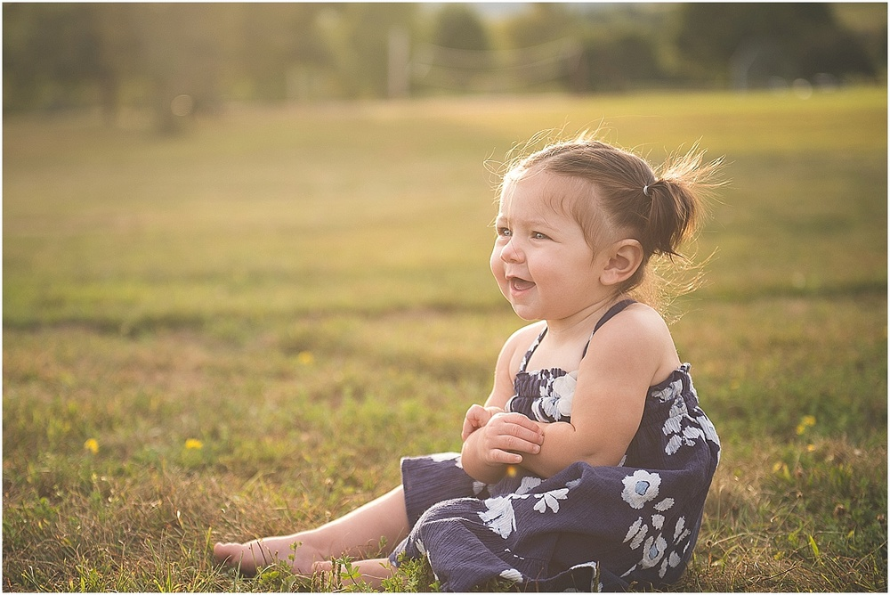 outdoor toddler portraits.  natural children's portraits