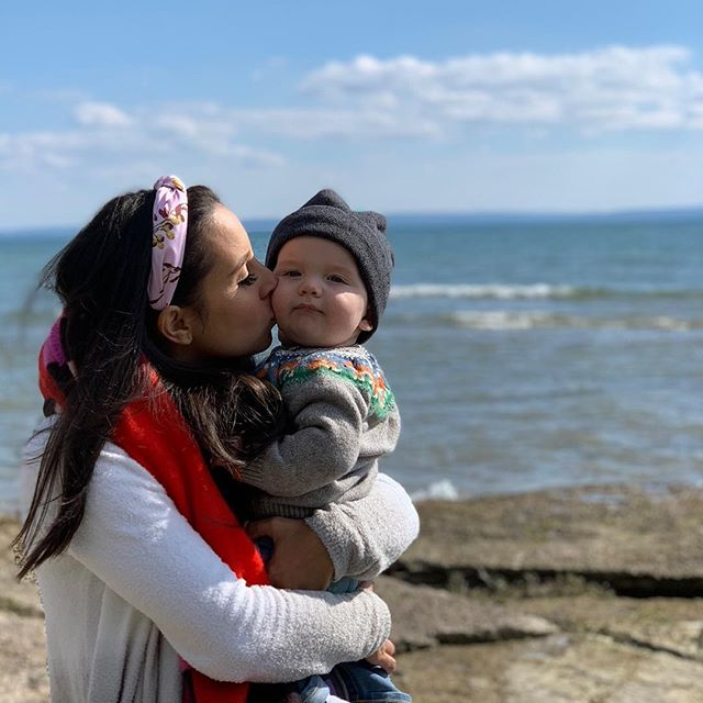 Couldn't love them more. 👸🏽 👶🏼 🇨🇦 #nofilter #family #blessed #travel #lakeview #babyboy #love #canada  @erika.moulton