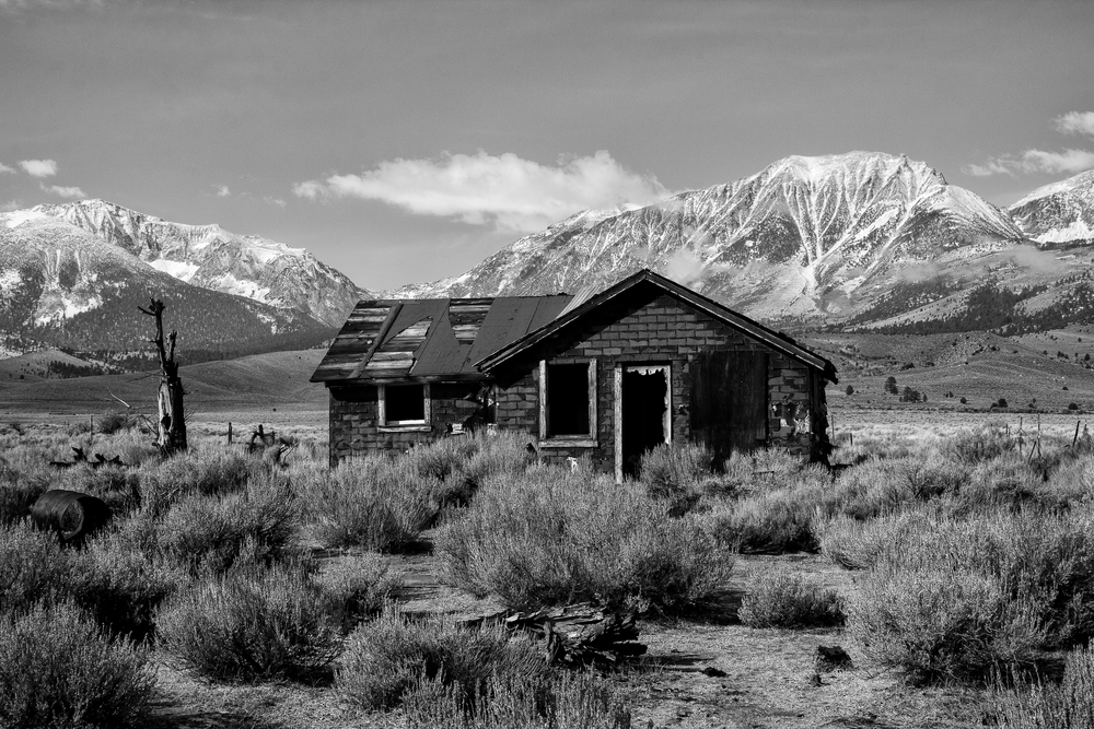 Abandoned House on Highway 395