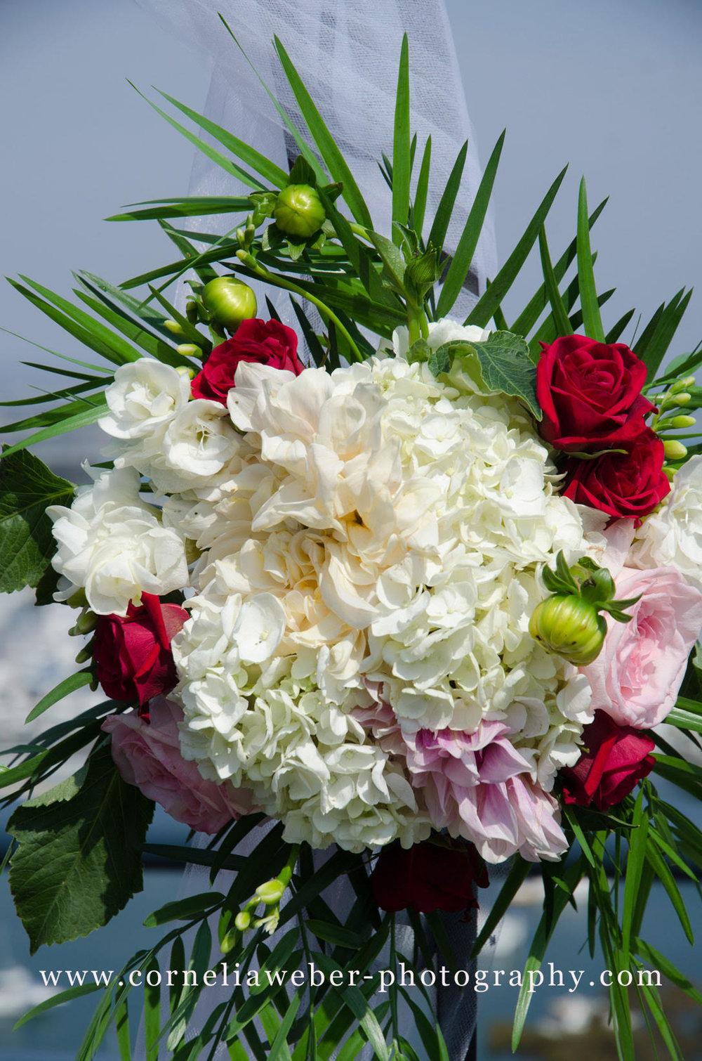 Affi_Darren_wedding_flowers_1.jpg