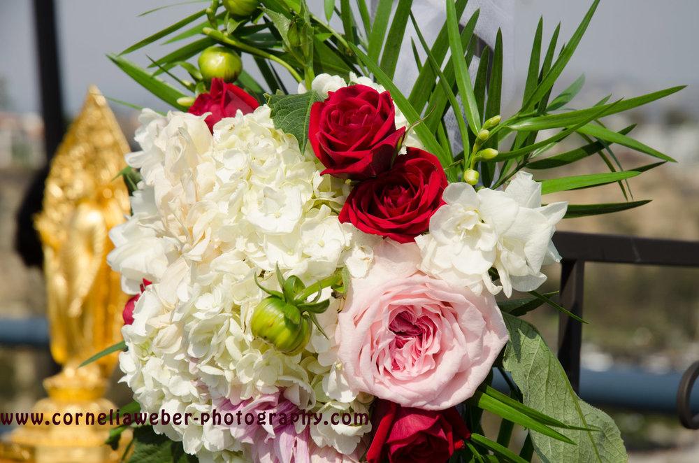 Affi_Darren_wedding_flowers_2.jpg