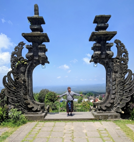 Standing at the gates to the upper-most temple within the Besakih complex.
