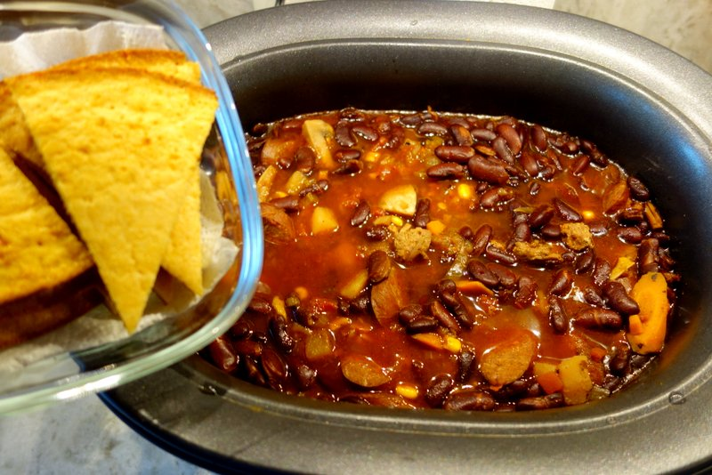 --- Sausage and Ground Turkey Chili & Corn Bread ---