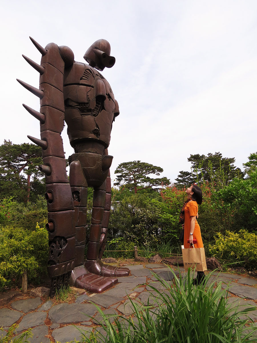 MishieWishie at the Ghibli Museum - Meeting The Robot Soldier