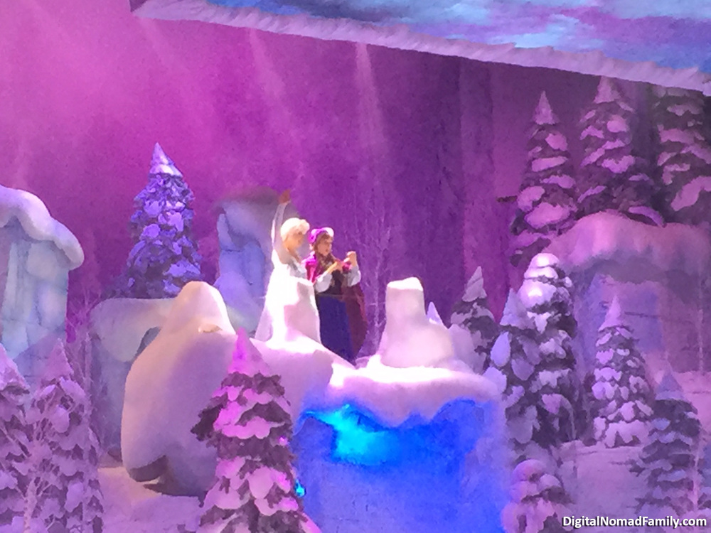 Disneyland-Paris-Frozen