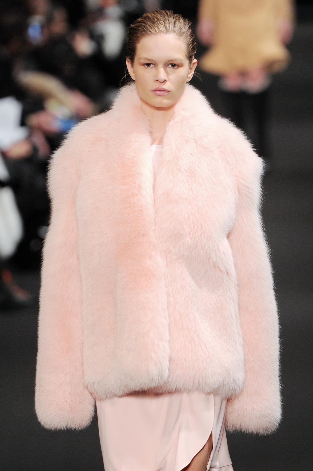 wgsn :     Dusy Pink with heaps of texture. Faux-heaven at @ALTUZARRASTUDIO #NYFW
