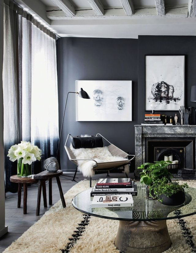 le-sojorner :     Beautiful grey wall in the living room.