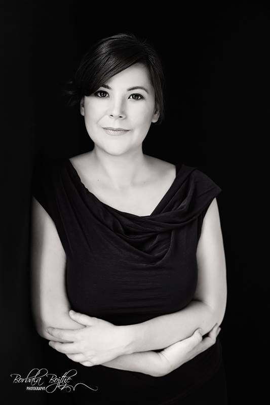 Rachel Walder The Tiniest Thai Viktoria Kuti