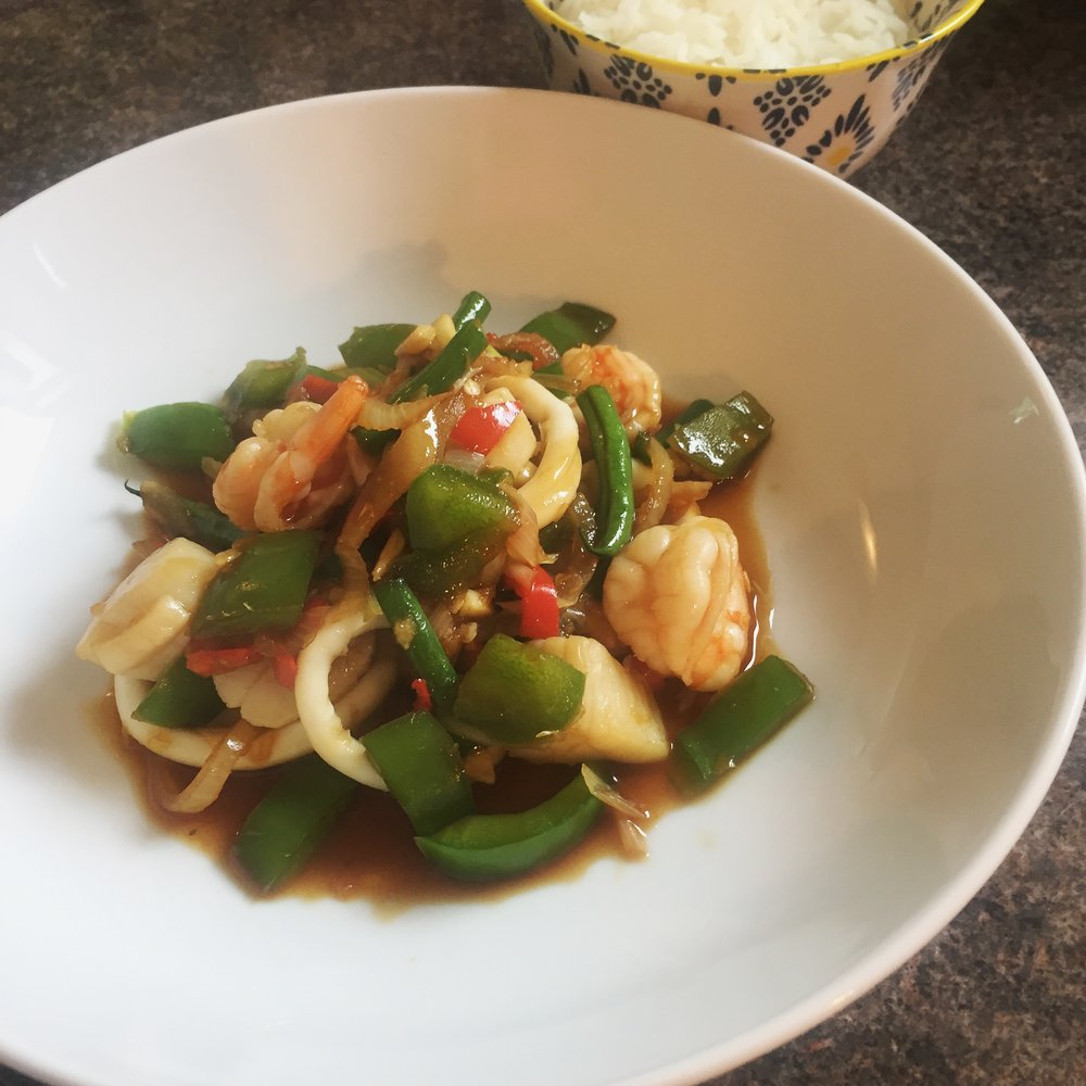 Stir fry seafood with chillies / pad talay