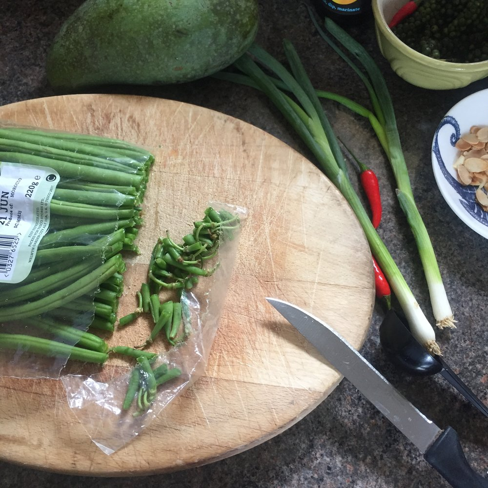 Rachel Redlaw som tam mamuang Thai mango salad