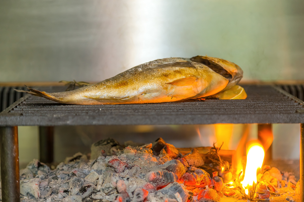 bokeh photographic - Provenance Kitchen - 5313 Lo-Res.jpg