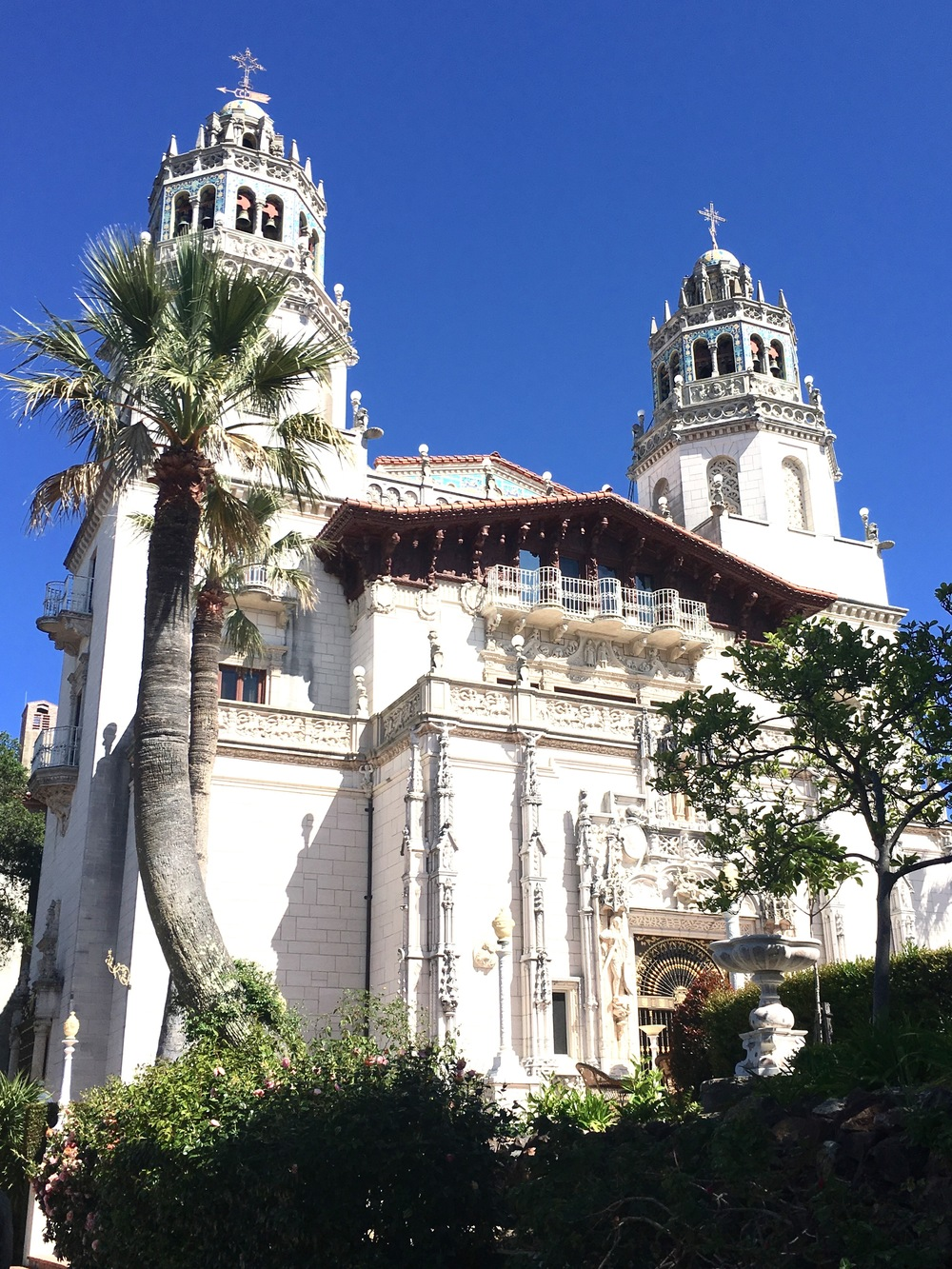 Hearst castle a stop at san simeon 39 s enchanted hilltop for San siemon