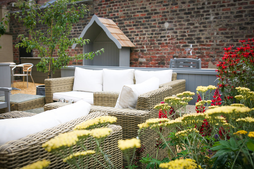 seating-in-the-garden-at-the-parisi-hotel-in-york.jpg