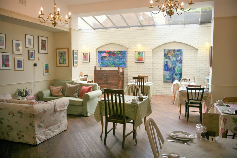 the-breakfast-room-at-the-parisi.jpg