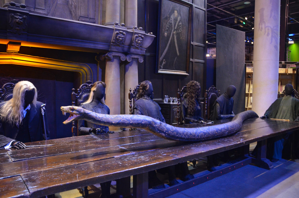 Malfoy Manor Harry Potter.jpg