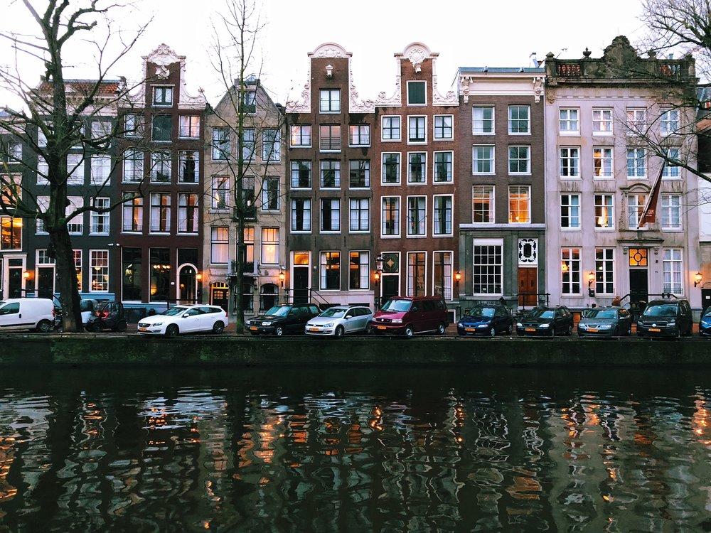 Amsterdam canal3.jpg