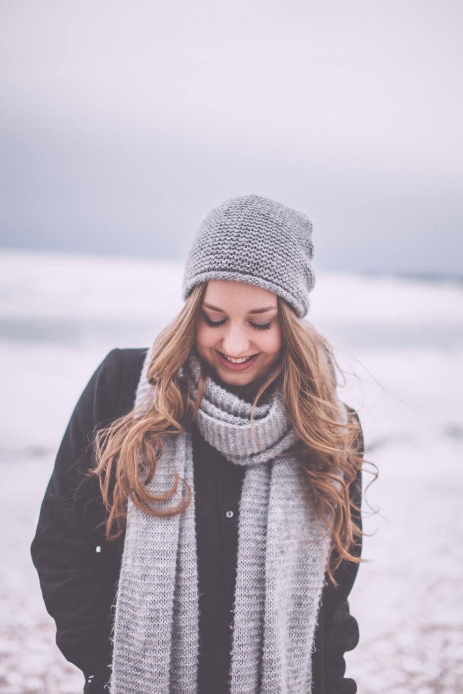 winter on location artist portrait